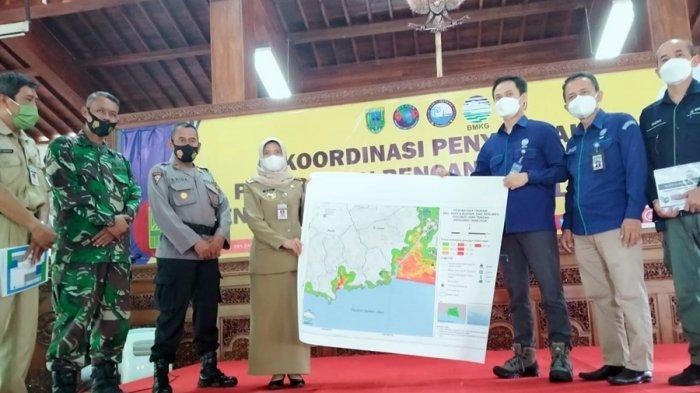 Kebumen Rawan Potensi Tsunami, Stasiun Geofisika Semarang Serahkan Peta Ini