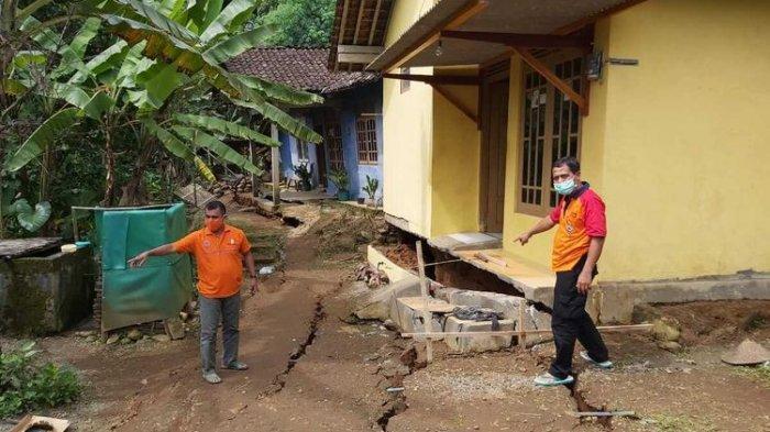 14 Bangunan di Tegalsari Purworejo Nyaris Ambruk Diterjang Tanah Gerak, Lebar Rekahan Capai 5 Cm