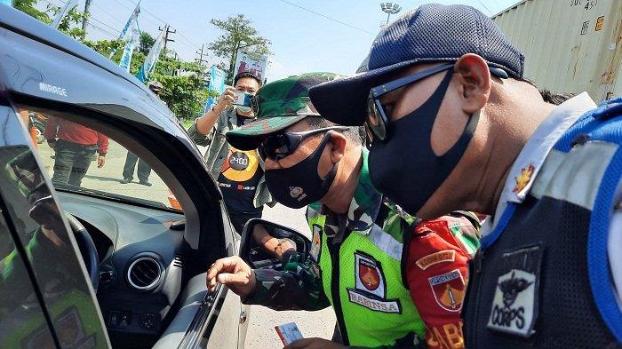 Mengaku Ingin Belanja ke Mal, Warga Jepara Boleh Melintas saat Tersekat di Pos Genuk Semarang