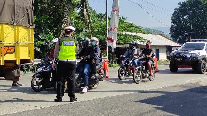 Tim Gabungan Cegat Arus Balik di 4 Pos Perbatasan di Banyumas, Warga Wajib Bawa Surat Negatif Covid