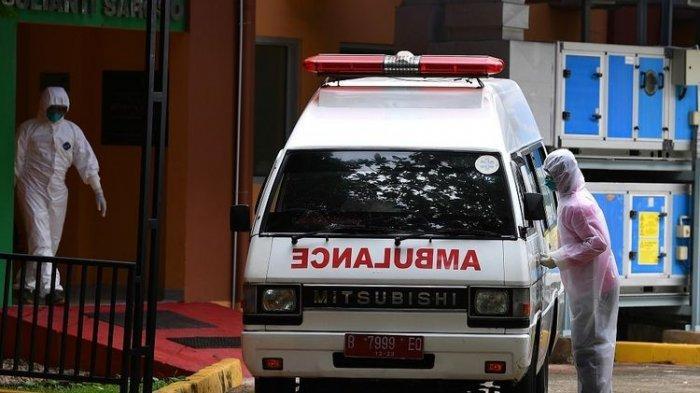 Ambulans Terperosok ke Parit, Dua Warga yang Menolong Justru Dikarantina dan Ikuti Rapid Test
