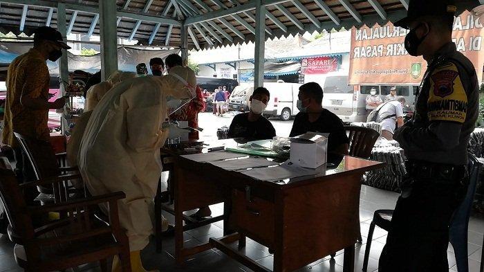 Lima Pedagang Asal Jepara Positif Covid, Diswab Antigen saat Kirim Barang di Pasar Ciinderamata Solo