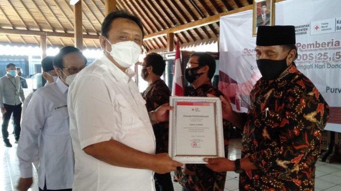 1161 Pendonor Terima Penghargaan dari PMI Banyumas, Sabar: Saya akan Berdonor sampai Tak Bisa Lagi