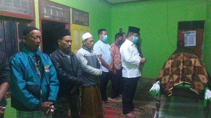 Tertimpa Pohon Tumbang saat Melintas Naik Motor, Warga Mulyosari Kebumen Tewas
