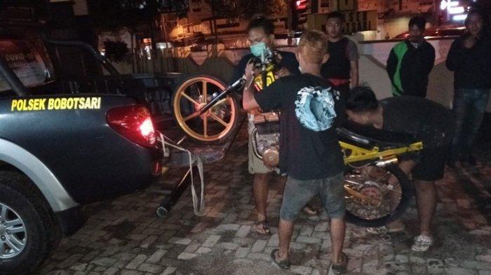 Pebalap Liar di Bobotsari Purbalingga Kocar-kacir saat Polisi Datang, 10 Motor Ditinggal Pemilik