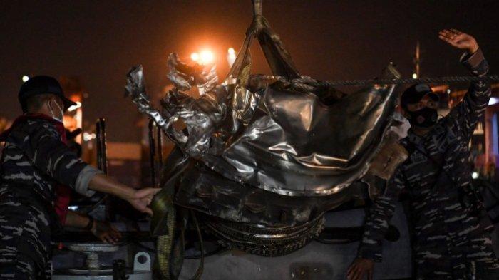 Tim Evakuasi Kunci Diduga Lokasi Black Box Pesawat Sriwijaya Air SJ 182, Hari Ini Bakal Diangkat