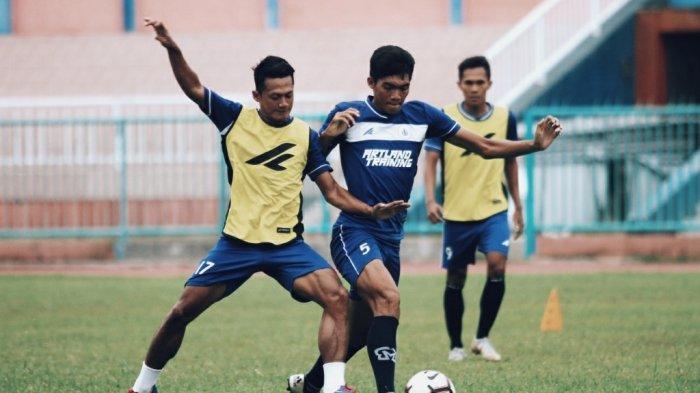 Pemain PSCS Cilacap Dibubarkan Satpol PP saat Main Bola, Nanda: Latihan di Rumah Saja