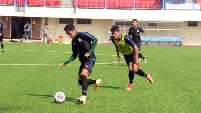 Ini Pengalaman Finky Pasamba Latihan di Stadion Citarum Semarang: Saya Sempat Cedera Ringan