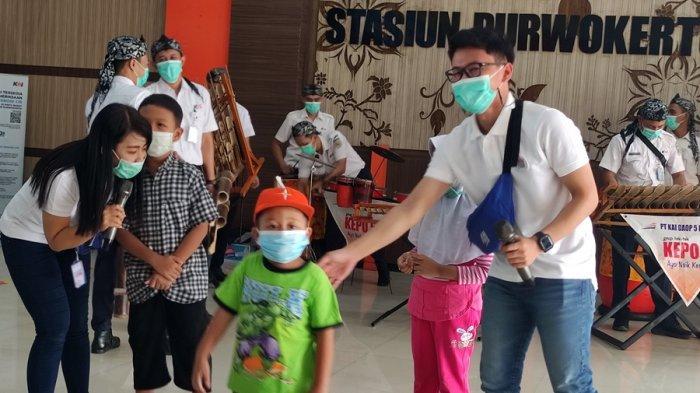 Suguhkan Hiburan dan Bagikan Souvenir, Cara PT KAI Daop V Purwokerto Peringati Hari Lahir Pancasila