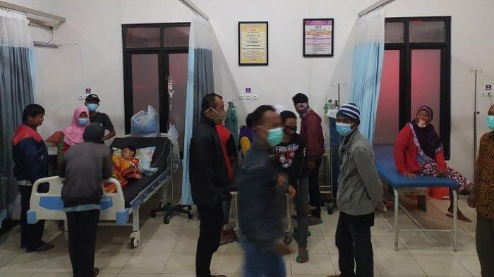 Diduga Keracunan Makanan Takjil dari Masjid, Puluhan Warga Karangpandan Karanganyar Dilarikan ke RS