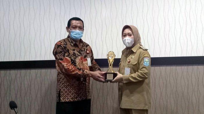 Pemkab Purbalingga Terima TPKAD Award 2020, OJK: Bentuk Apresiasi Karena Sudah Peduli Sektor UMKM
