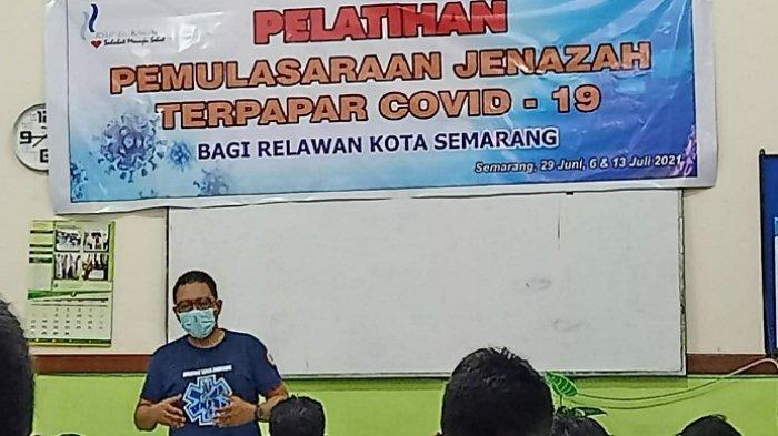 Petugas Pemulasara Jenazah RSUP Kariadi Semarang Kewalahan, Sehari Bisa Rawat 25 Jenazah Covid