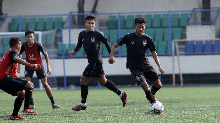 Penantian Panjang Reza Irfana Terbayar Lunas, Hari Ini Resmi Jadi Pemain Anyar PSIS Semarang