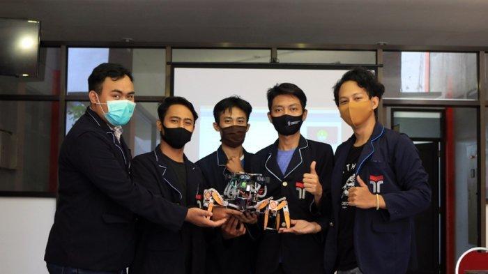 Ingin Bantu Damkar Banyumas, Tim Mahasiswa ITTP Kembangkan Robot Pemadam Kebakaran