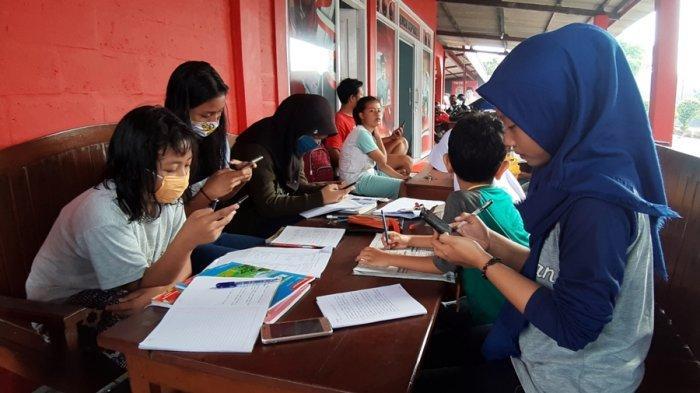 Cerita Siswa Belajar Daring di Rumah Aspirasi Bambang Kusriyanto, di Susukan Kabupaten Semarang