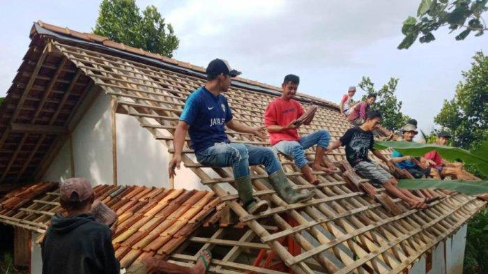 Warga Dukuh Majatengah Kembali Terancam Longsor, Empat Rumah Terpaksa Dibongkar