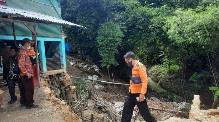 Dua Rumah Warga Rusak, Dampak Longsoran Tanah Tepian Sungai Temboro Blora