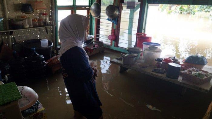 Sungai Serayu Meluap, Rumah Warsinah Kebanjiran: Baru Kali Ini Lama Surutnya