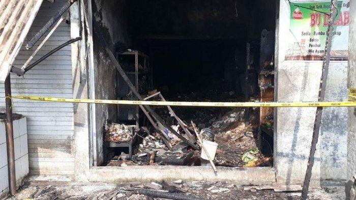Hingga Pagi Api Masih Terlihat di Pasar Induk Banjarnegara, Bupati: Kebakaran Diduga dari Korsleting