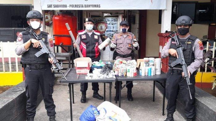 Gerebek Home Industri di Cilongok Banyumas, Polisi Amankan Pemilik Rumah dan 1 Kg Bubuk Mercon