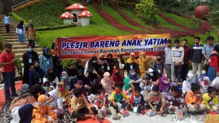 80 Anak Yatim Diajak Wisata Yayasan Jumat Barokah Banjarnegara, Kevin Jadi Teringat Almarhum Ayah