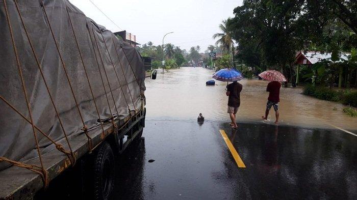Hujan Reda dan Banjir Mulai Surut, Akses Wangon-Cilacap Mulai Bisa Dilewati Kendaraan Roda Dua