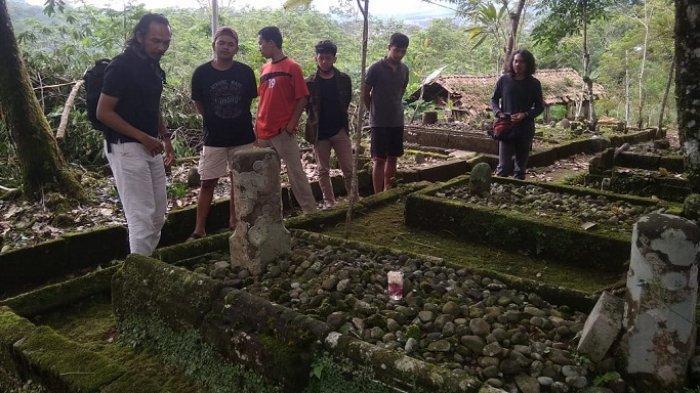 Peziarah Protes, Batu Nisan Kuno di Makam Stanagede Diambil Disparbud Wonosobo