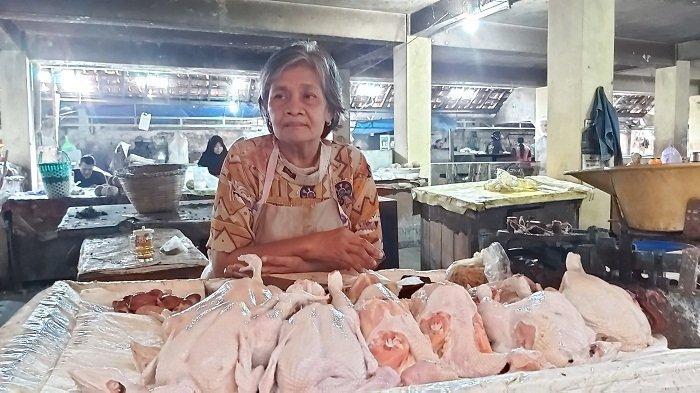 Naik Rp 7000, Harga Daging Ayam Jelang Ramadan di Pasar Pagi Kota Tegal Tembus Rp 45 Ribu/Kg