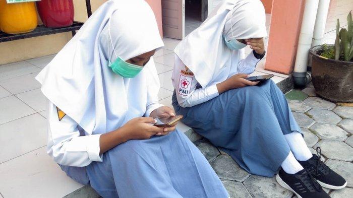 SMK Negeri Jenawi Gelar Simulasi Ujian Sekolah, Sebagian Siswa Terkendala Sinyal
