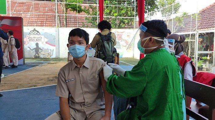 6.000 Pelajar dan Santri di Banyumas Terima Vaksin Covid, Bantuan dari BIN