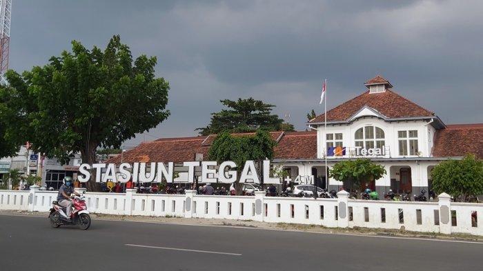 KA Kaligung Dibanjiri Penumpang, Relasi Tegal-Semarang, Syarat Cukup Tunjukkan Bukti Vaksin