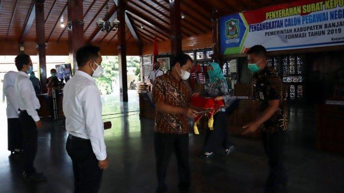 SK 376 CPNS Diserahkan, Bupati Banjarnegara Jelaskan Aturan Biar Lulus Masa Percobaan Setahun
