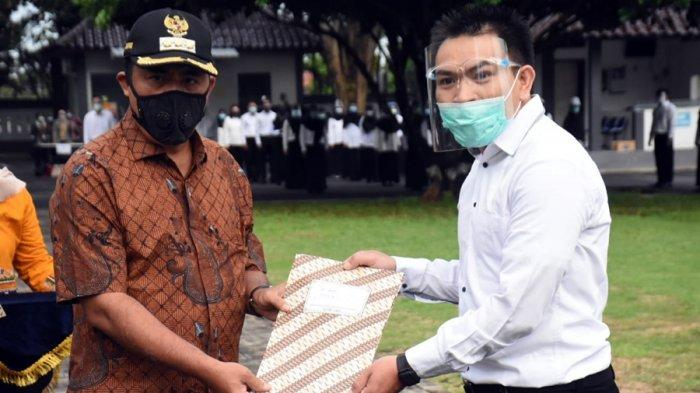 Bupati Serahkan SK 244 CPNS Kabupaten Karanganyar, Langsung Jalani Pelatihan Dasar Selama Setahun