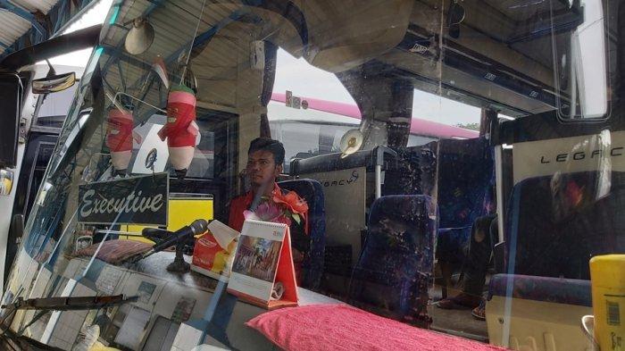 Cerita Sopir Bus Dewi Sri di Tegal, Alih Profesi Jadi Tukang Parkir Akibat Kebijakan Larangan Mudik