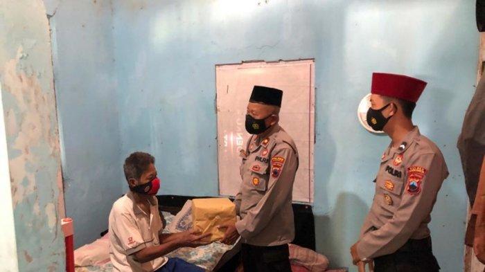 Ini Kegiatan Polres Kebumen Selama Ramadan: Bagi Takjil Hingga Sambangi Warga yang Sakit