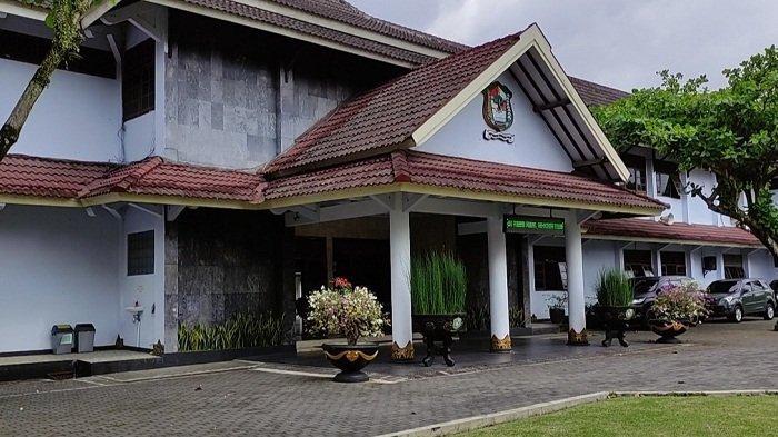 KPK Kembali Sambangi Setda Banjarnegara terkait Dugaan Korupsi, Giliran Ruang UKPBJ yang Diobok-obok