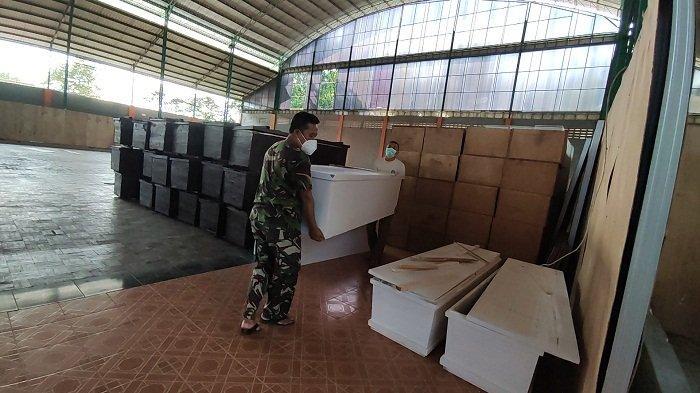 Terkumpul 188 Peti, Peti Mati Sumbangan Donatur di Banyumas Disimpan di GOR Satria Purwokerto
