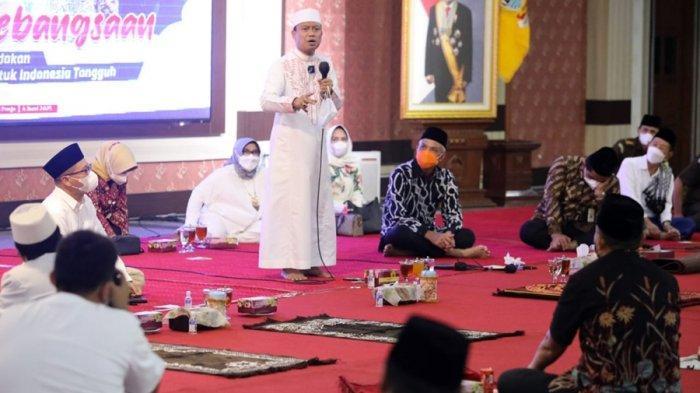 Ganjar Menahan Tawa Hingga Menangis, Begini Isi Tausiah Ustad Das'ad Latif Saat di Semarang