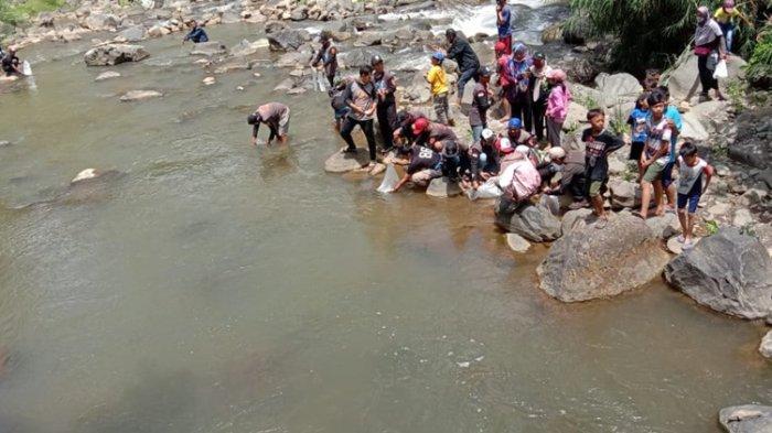 Pemancing Libur Enam Bulan, Tunggu Ikan Tumbuh Besar di Sungai Urang Banjarnegara