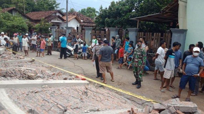 Tembok Gudang yang Dikerjakan Tiba-tiba Ambruk, Seorang Pekerja di Tlogowungu Pati Tewas Tertimpa