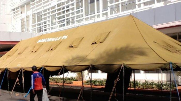Hadapi Lonjakan Kasus Saat Nataru, RSUD Soewondo Pati Dirikan Tenda Darurat di Halaman Gedung IGD