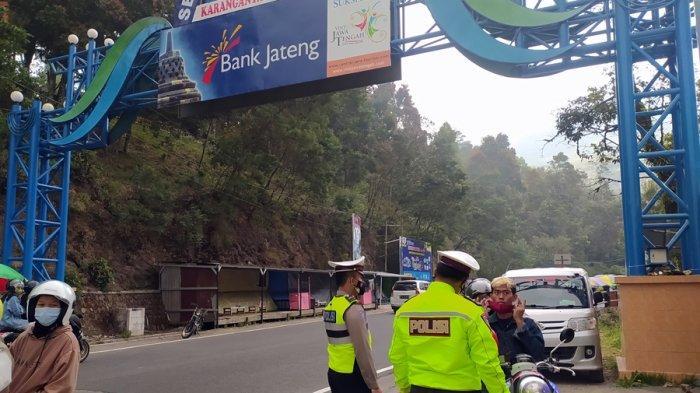 50 Pengendara Motor Kena Tilang, Penyekatan Akhir Pekan di Tawangmangu Karanganyar