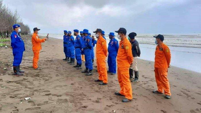 Enam Awak Kapal Hilang Dihantam Gelombang Tinggi saat Tarik Tongkang di Ulujami Pemalang