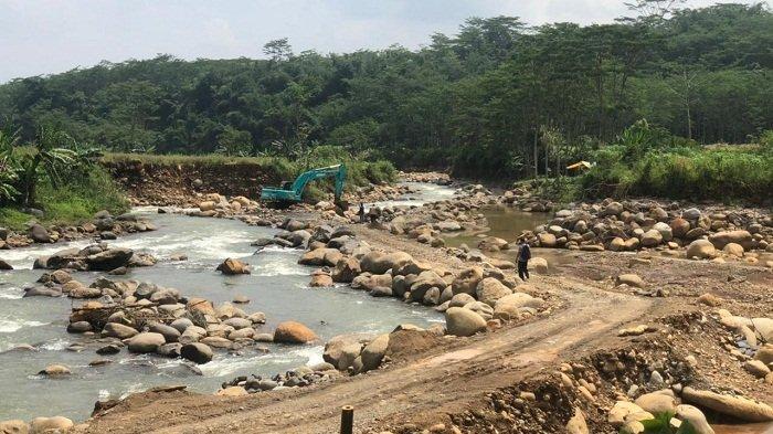Gerebek Lokasi Penambangan Ilegal di Brokoh Batang, Tim ESDM Jateng Hanya Dapati 4 Ekskavator