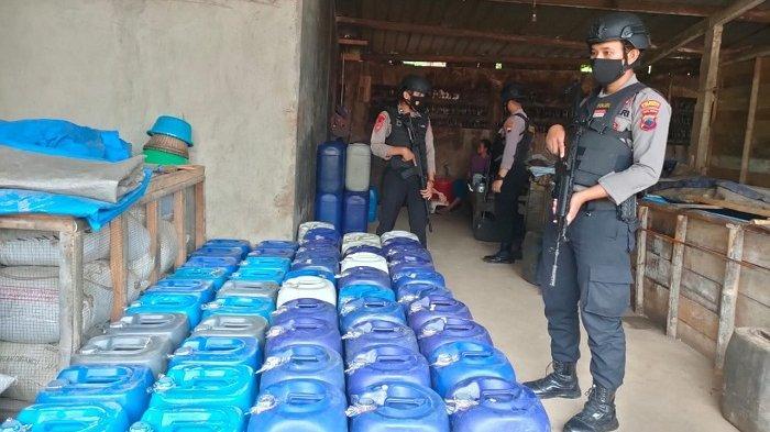 Gerebek Tempat Pembuatan Tuak, Sabhara Polresta Banyumas Amankan 115 Liter Ciu dan 240 Liter Tuak