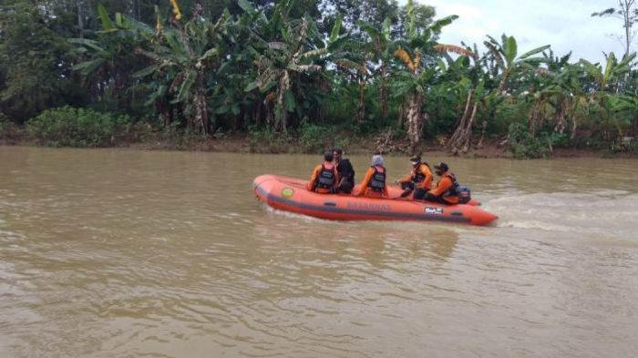 Basarnas Lanjutkan Penyisiran Sungai Kaligatel Banyumas, Cari Orang Hilang Sejak Sabtu