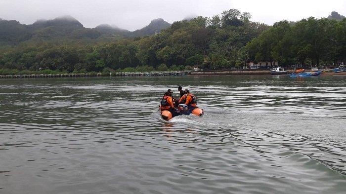 Pria Misterius Hilang saat Berenang di TPI Logending Kebumen, Pencarian Memasuki Hari Kedua