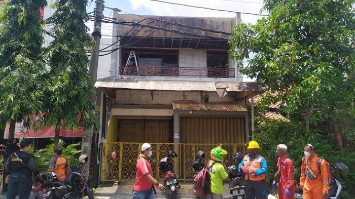 Alami Luka Bakar, Seorang Tukang Bangunan Kesetrum saat Bongkar Plafon Rumah di Bulustalan Semarang