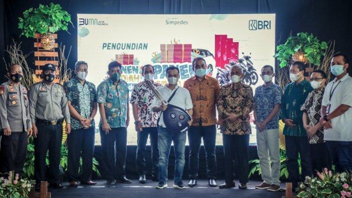Nasabah BRI Unit Bawang Ini Dapat Mobil, Hasil Undian Panen Hadiah Simpedes di Banjarnegara