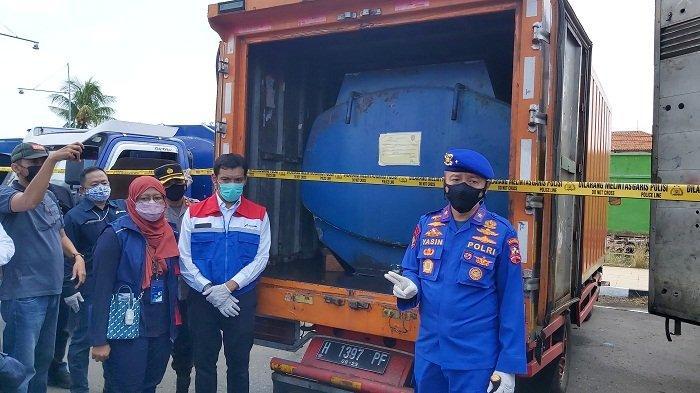 Sindikat Jual BBM Bersubsidi Ilegal di Pelabuhan Tegal Dibongkar, Pakai Mobil Mirip Milik Kantor Pos